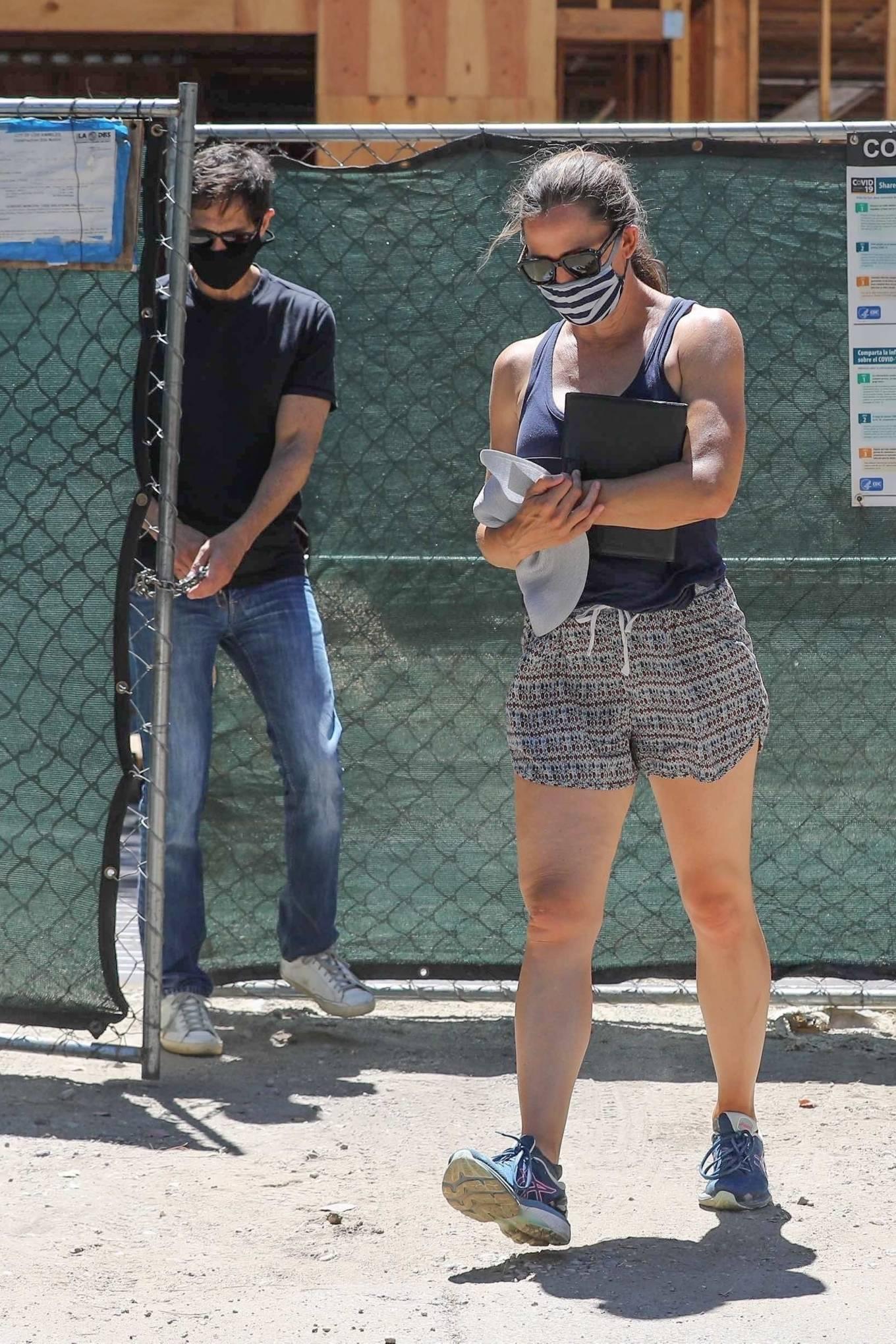 Jennifer Garner 2020 : Jennifer Garner – Visits her new mansion in Brentwood-13
