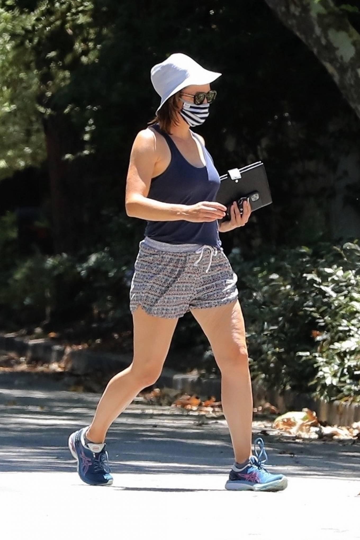 Jennifer Garner 2020 : Jennifer Garner – Visits her new mansion in Brentwood-19