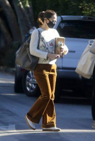 Jennifer Garner - With a friend in Brentwood