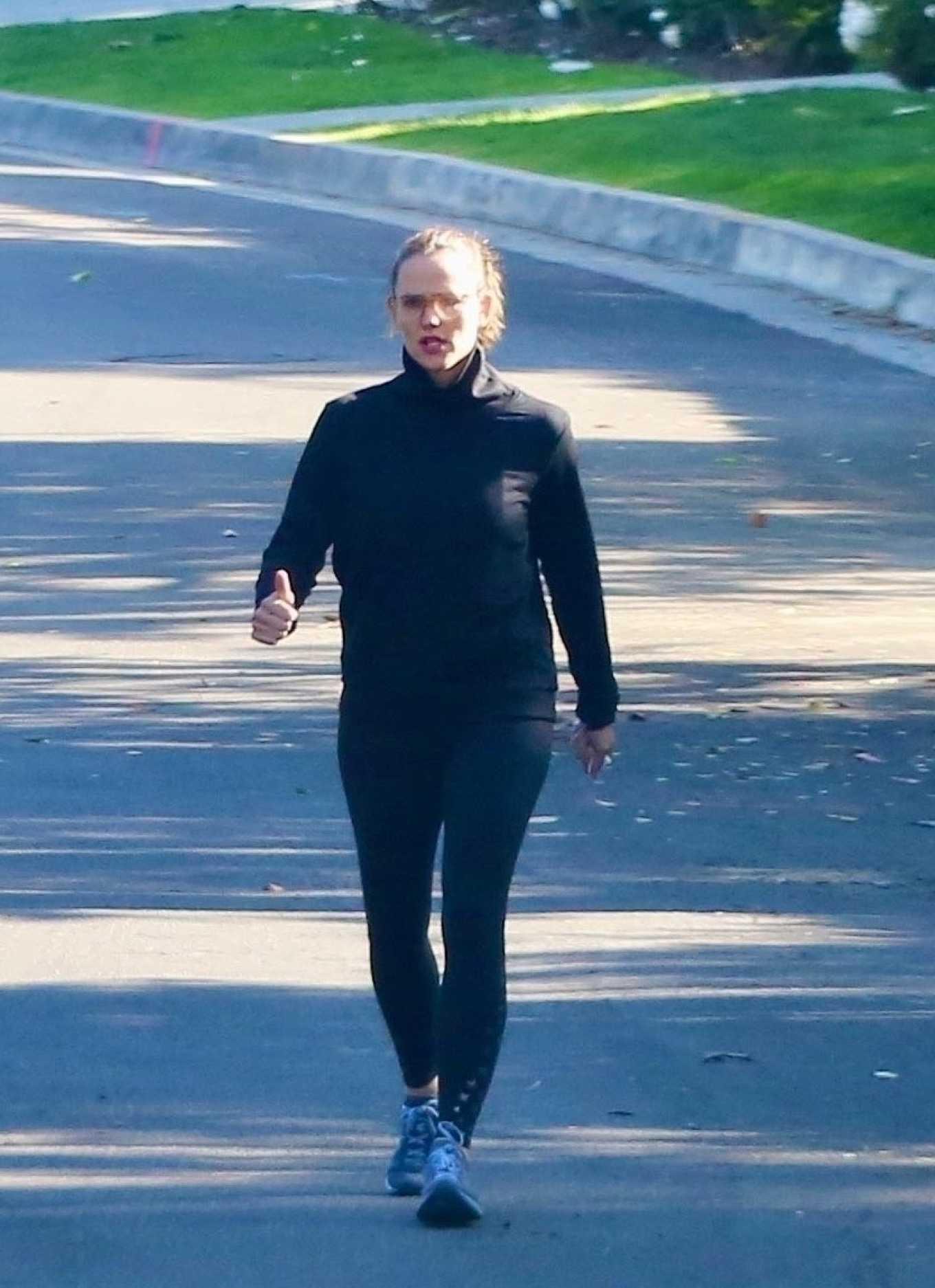 Jennifer Garner 2020 : Jennifer Garner with a friend out for a power walk session in Pacific Palisades-07