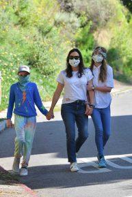 Jennifer Garner - With her kids in Brentwood