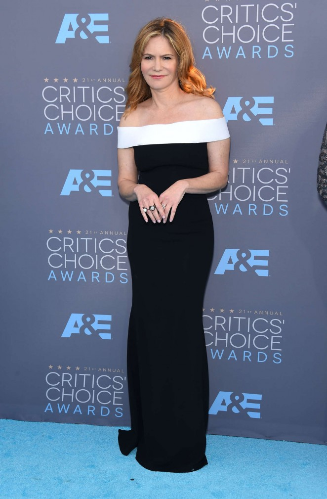 Jennifer Jason Leigh - 2016 Critics' Choice Awards in Santa Monica