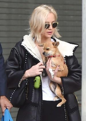 Jennifer Lawrence - Arrives at JFK Airport in New York