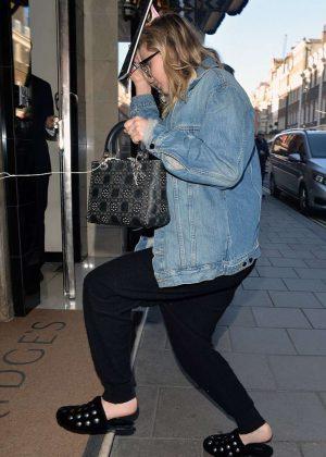 Jennifer Lawrence - Arriving at her hotel in London