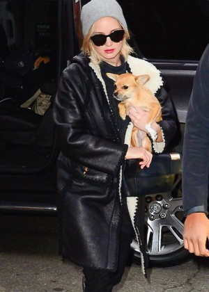 Jennifer Lawrence - Arriving at the Greenwich Hoel in New York
