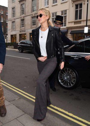 Jennifer Lawrence - Arriving back at her hotel in London