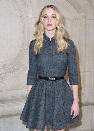 Jennifer Lawrence - Christian Dior Fashion Show in Paris