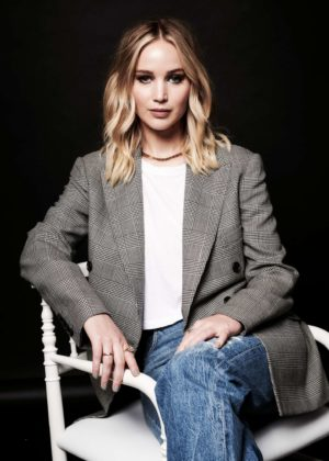 Jennifer Lawrence - Deadline Hollywood presents The Contenders 2017 Portrait Studio in LA