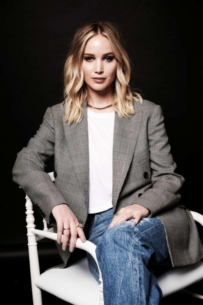 Jennifer Lawrence - Deadline Hollywood presents The Contenders 2017 Portrait Studio in LA