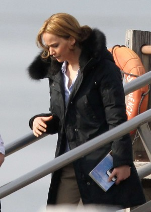Jennifer Lawrence - Filming 'Joy' in Massachusetts