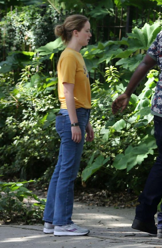 Jennifer Lawrence 2019 : Jennifer Lawrence – Filming scenes for The Untitled Soldier Project-07