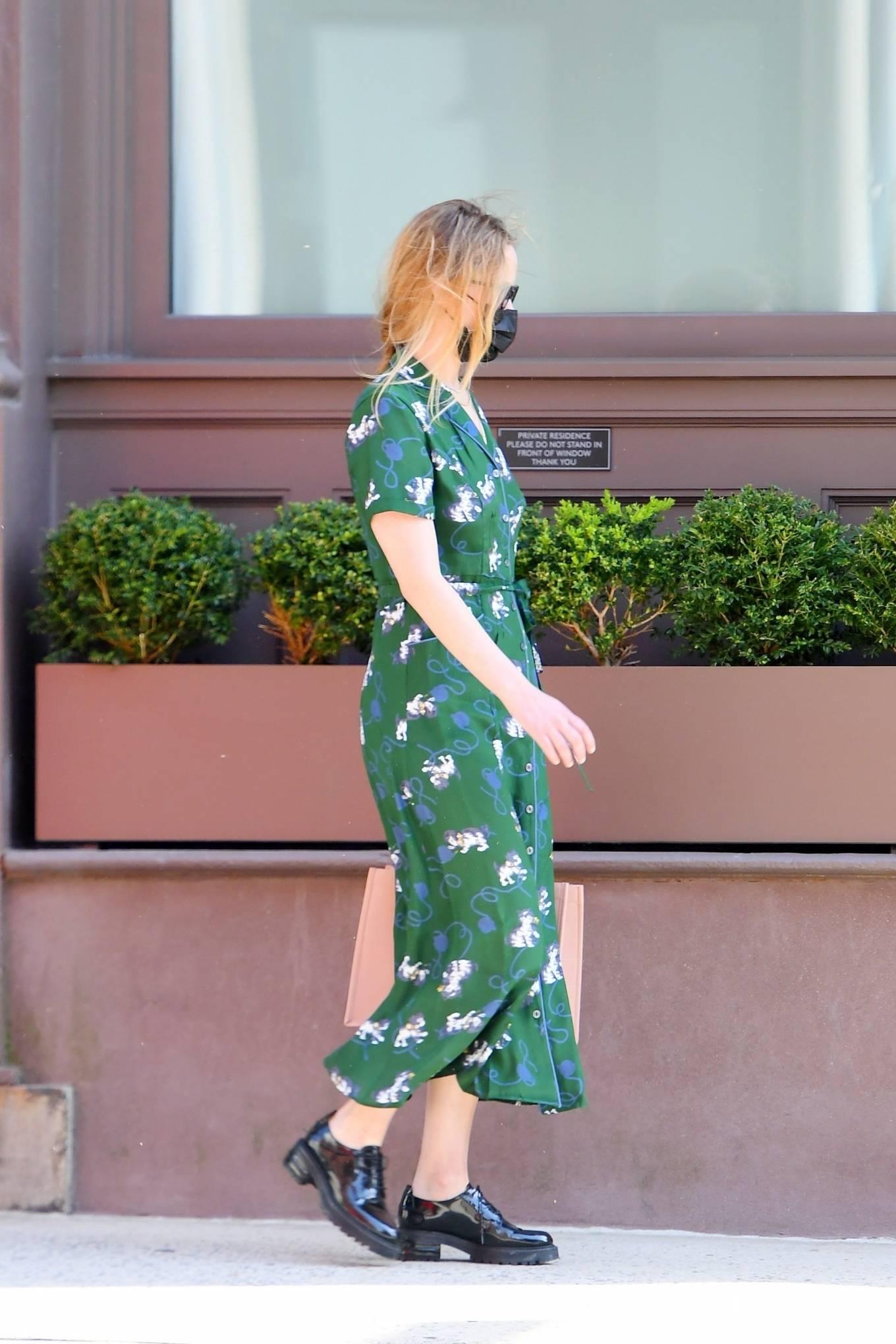 Jennifer Lawrence 2021 : Jennifer Lawrence – In green summer dress out in Tribeca-01
