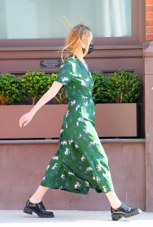 Jennifer Lawrence - In green summer dress out in Tribeca