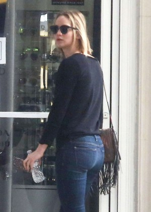 Jennifer Lawrence Booty in Jeans Out in LA