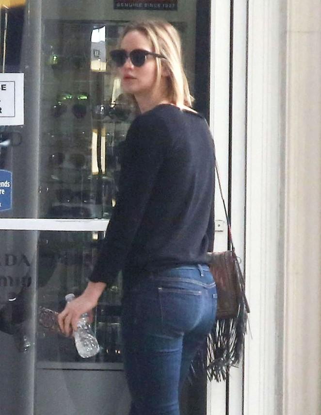Jennifer Lawrence Booty in Jeans Out in LA