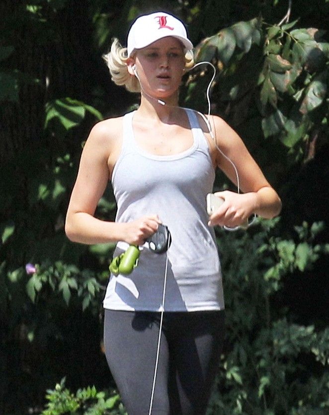 Jennifer Lawrence in Tights Jogging in Atlanta
