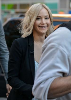 Jennifer Lawrence - In...