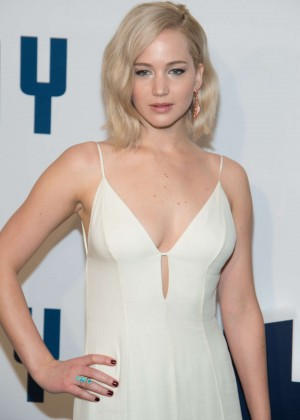 Jennifer Lawrence - 'Joy' Premiere in New York