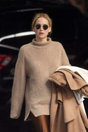 Jennifer Lawrence - Leaves her apartment in New York City