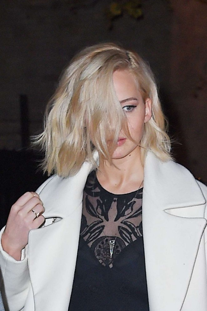 Jennifer Lawrence – Leaves Her Hotel in New York
