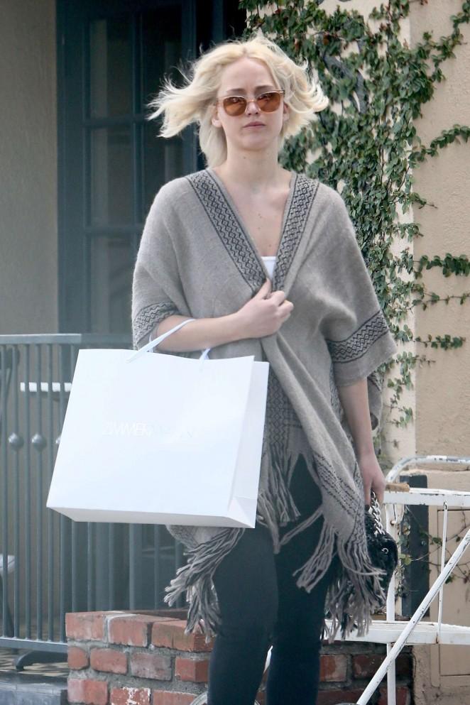 Jennifer Lawrence - Leaving Alfred cafe in Los Angele