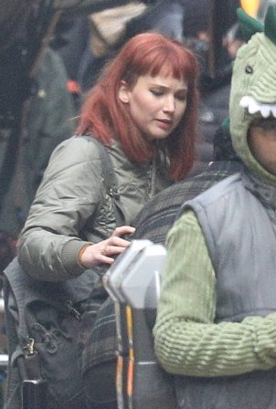 Jennifer Lawrence - On the set for 'Don't Look Up' in downtown Boston