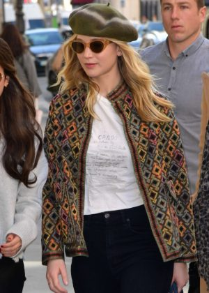Jennifer Lawrence - Out and about in Paris