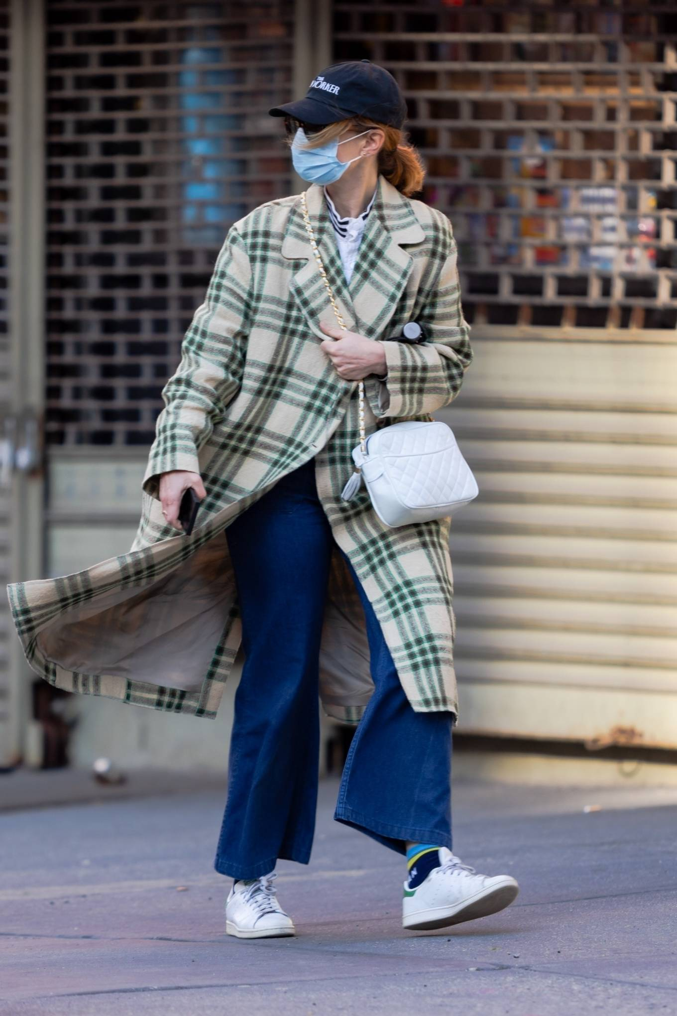 Jennifer Lawrence 2021 : Jennifer Lawrence – out for a stroll in New York-02