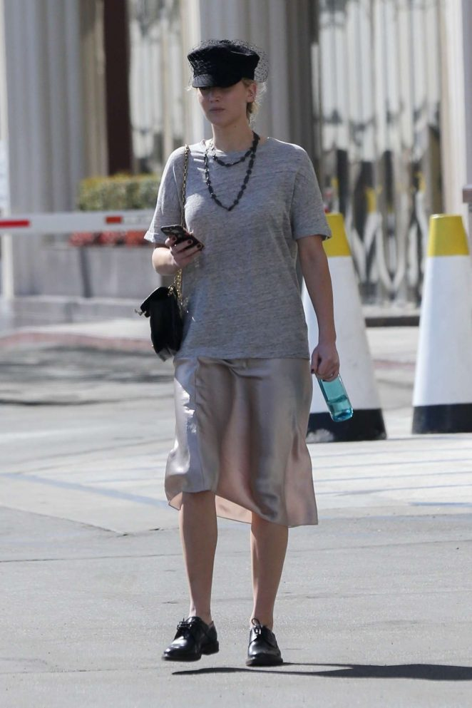 Jennifer Lawrence – Out in Westwood