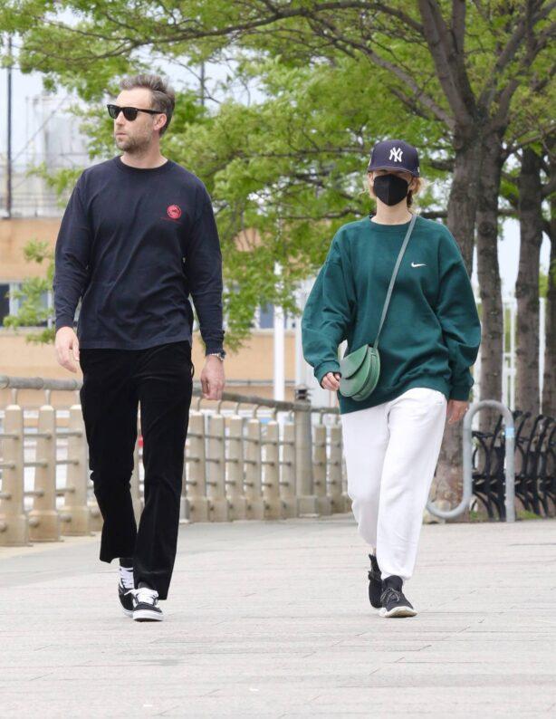 Jennifer Lawrence - Out with husband Cooke Maroney in Manhattan's Hudson River Park