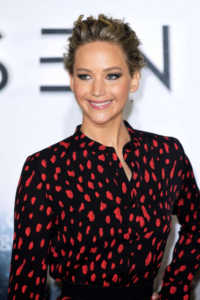 Jennifer Lawrence - 'Passengers' Photocall in London