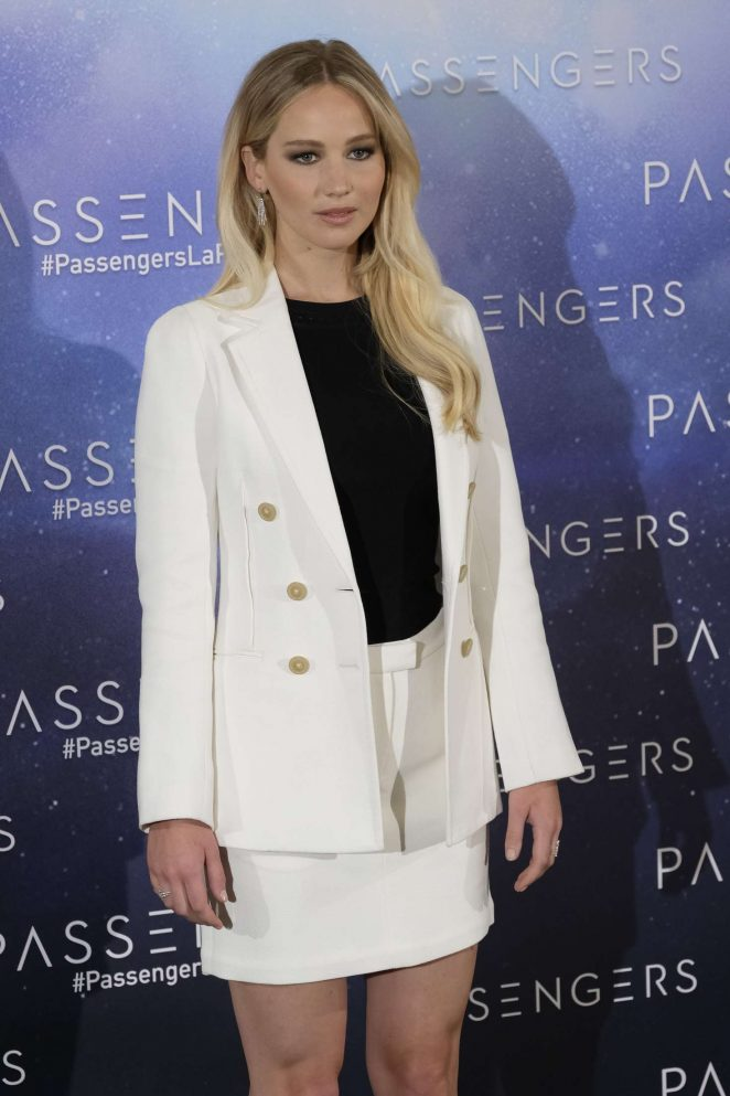 Jennifer Lawrence - 'Passengers' Photocall in Madrid