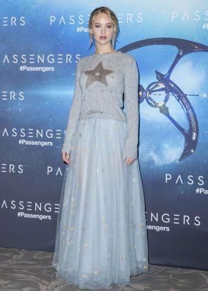 Jennifer Lawrence - 'Passengers' Photocall in Paris