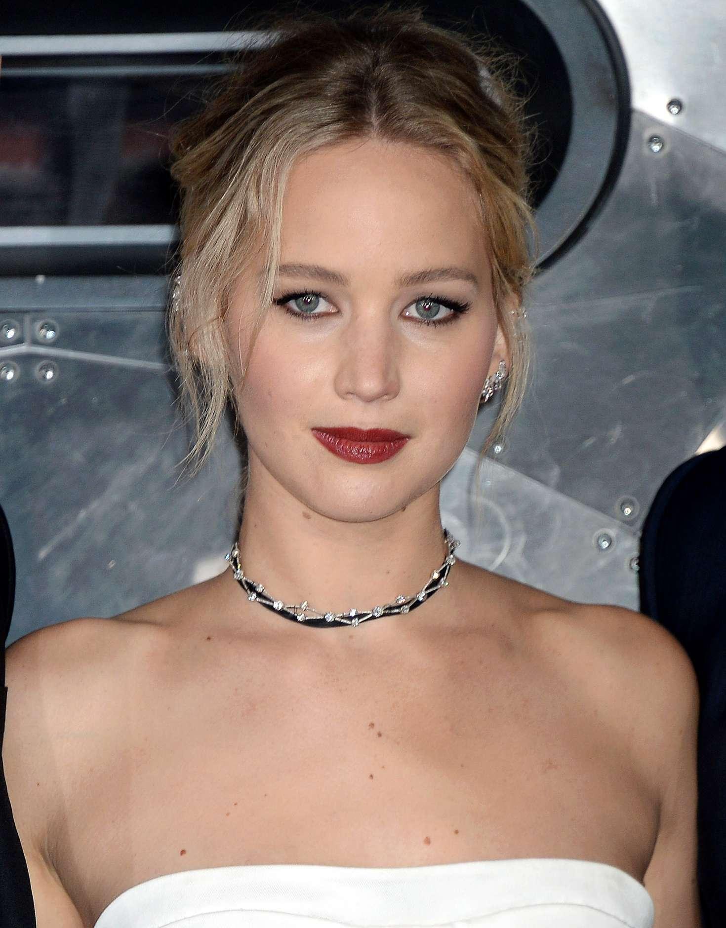 Jennifer Lawrence: Passengers LA Premiere -25 - GotCeleb