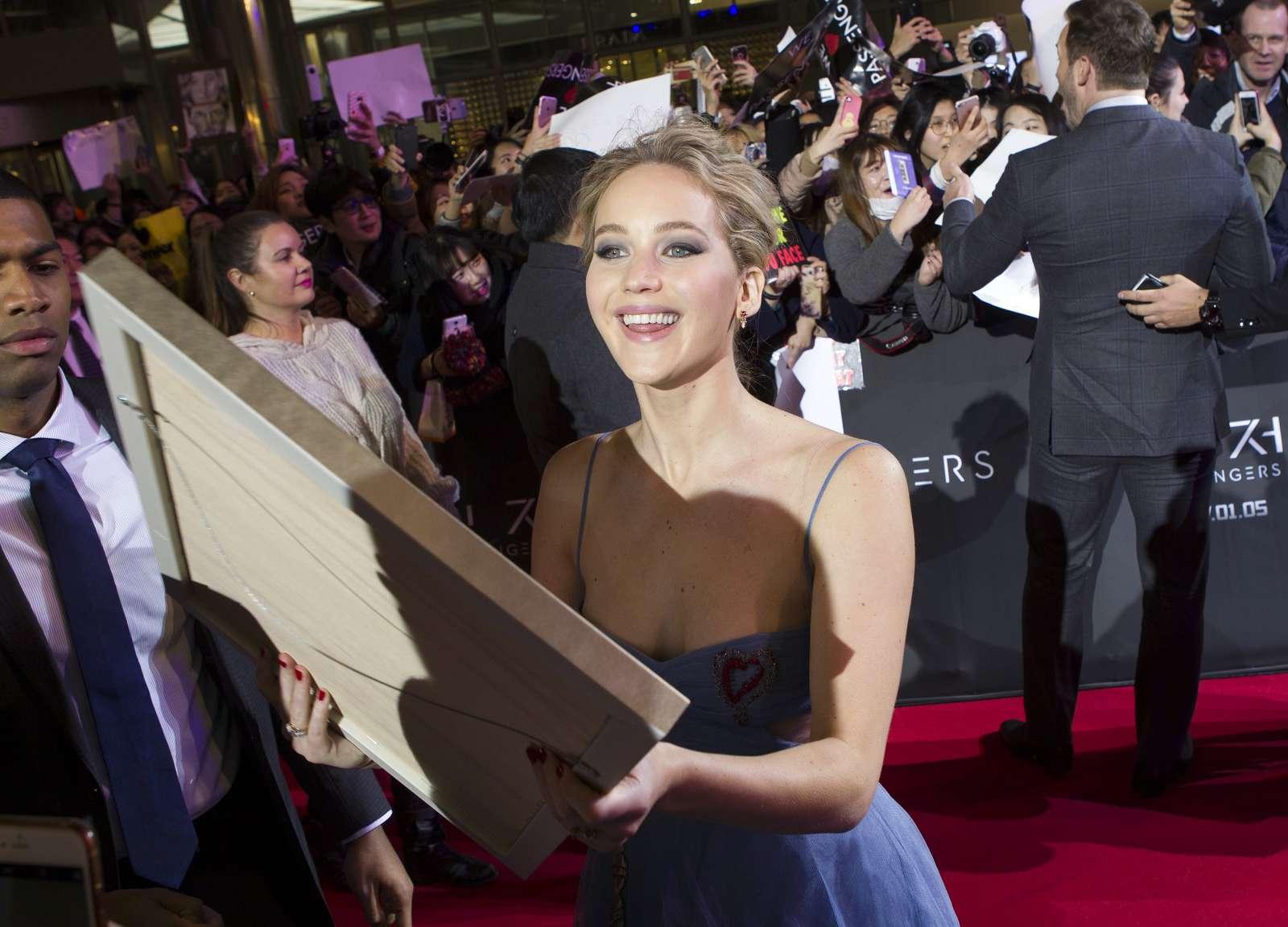 Jennifer Lawrence 2016 : Jennifer Lawrence: Passengers Premiere in Seoul -19