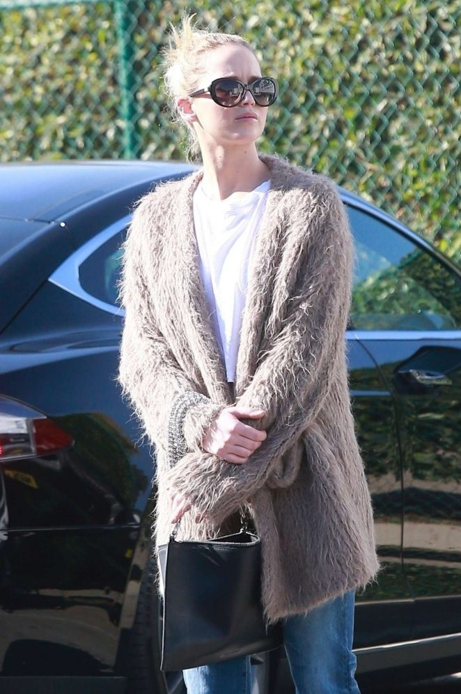 Jennifer Lawrence - Shopping in Beverly Hills