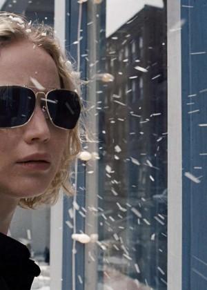 Jennifer Lawrence - Stills from 'Joy'