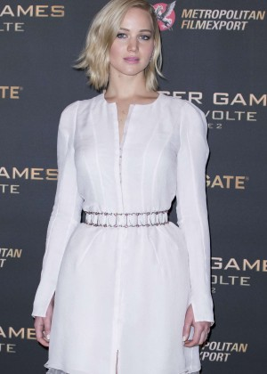 Jennifer Lawrence - 'The Hunger Games: Mockingjay Part 2' Photocall in Paris