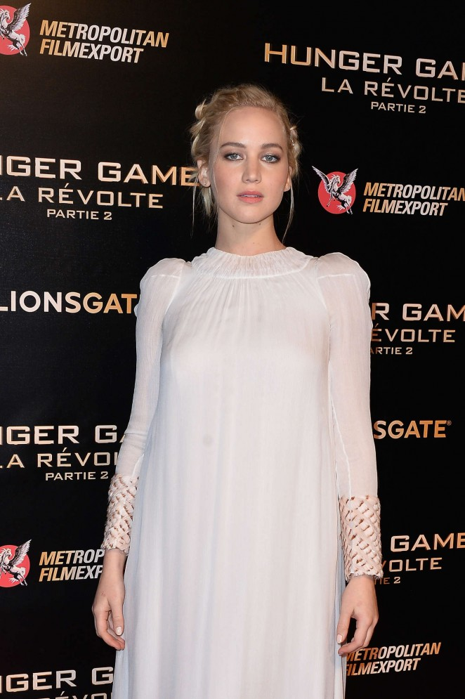 Jennifer Lawrence - 'The Hunger Games: Mockingjay Part 2' Premiere in Paris