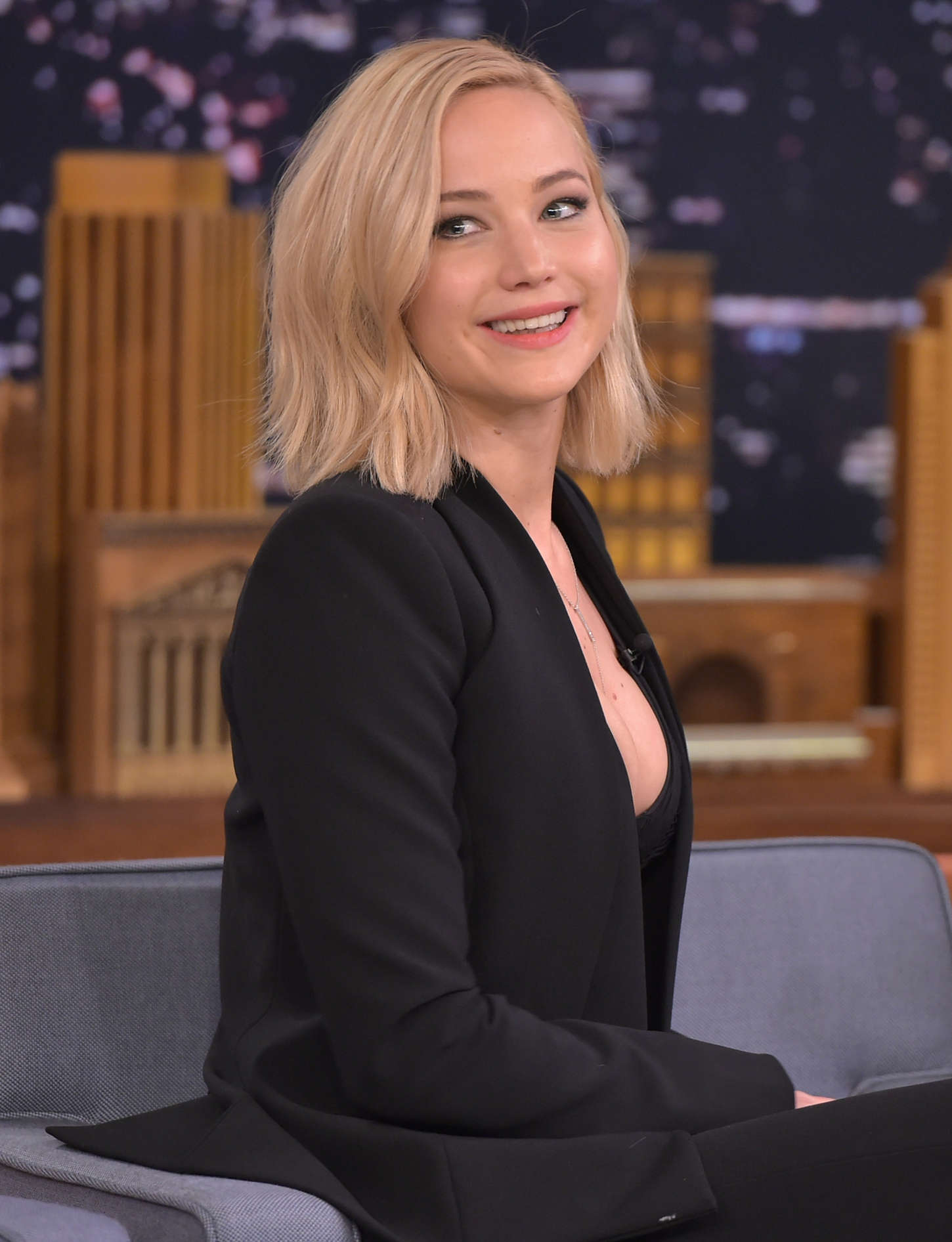 Jennifer lawrence hair jimmy fallon picture ideas with long bangs male
