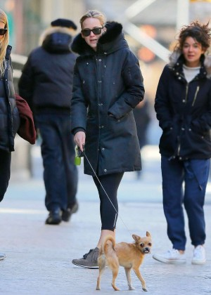 Jennifer Lawrence - Walking her dog in NYC