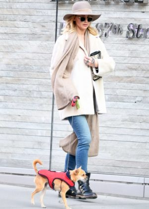 Jennifer Lawrence - Walks her dog with her mother in New York City