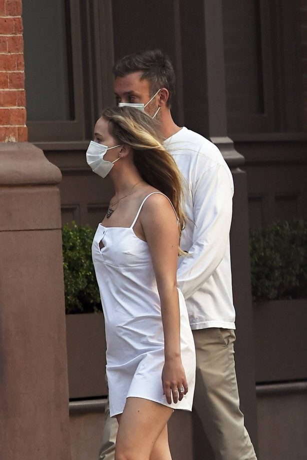 Jennifer Lawrence with Her Husband Cooke Maroney - Shows A Baby Bump