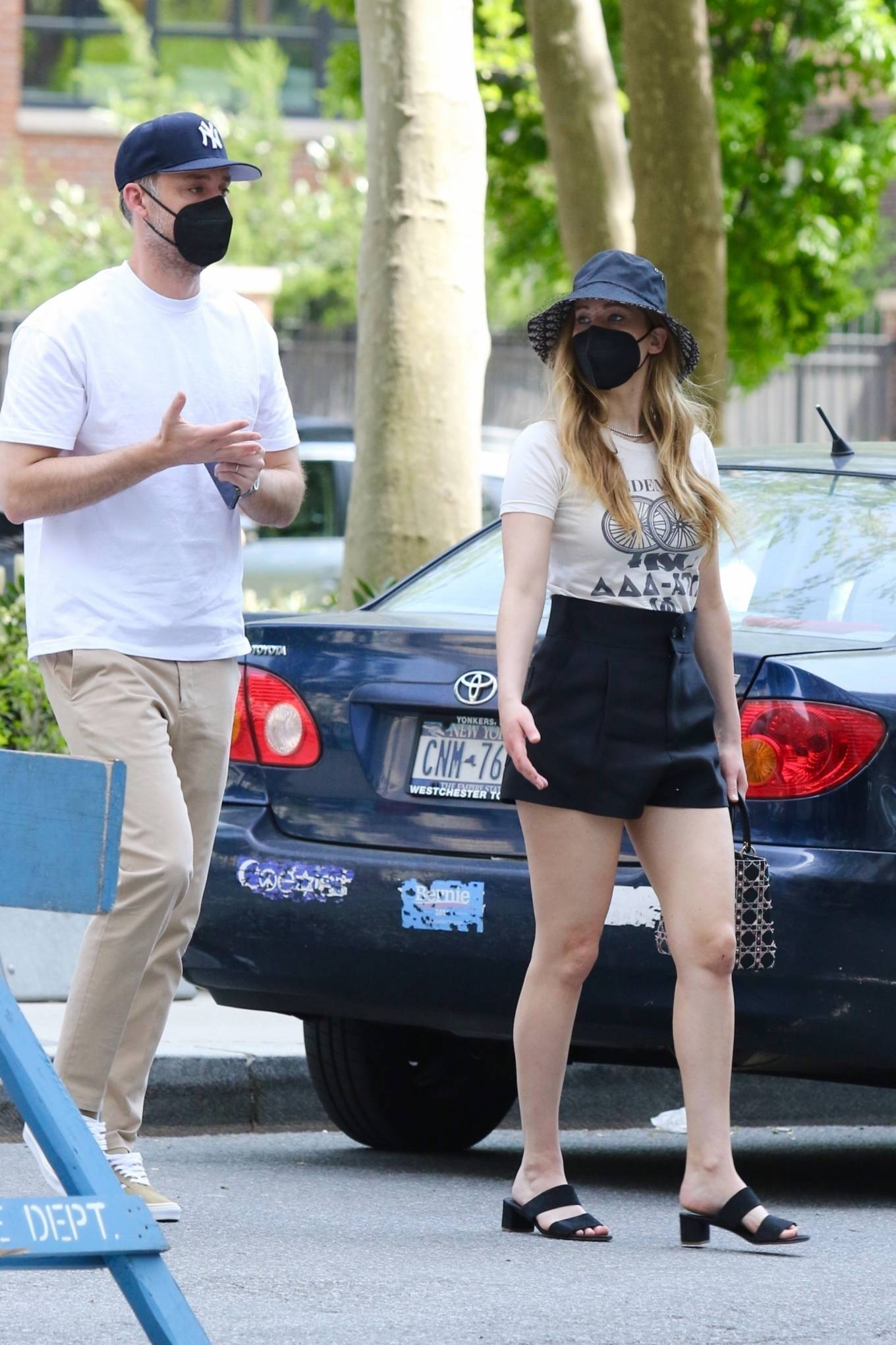 Jennifer Lawrence 2021 : Jennifer Lawrence – With husband Cooke Maroney in Manhattan's Soho area-04
