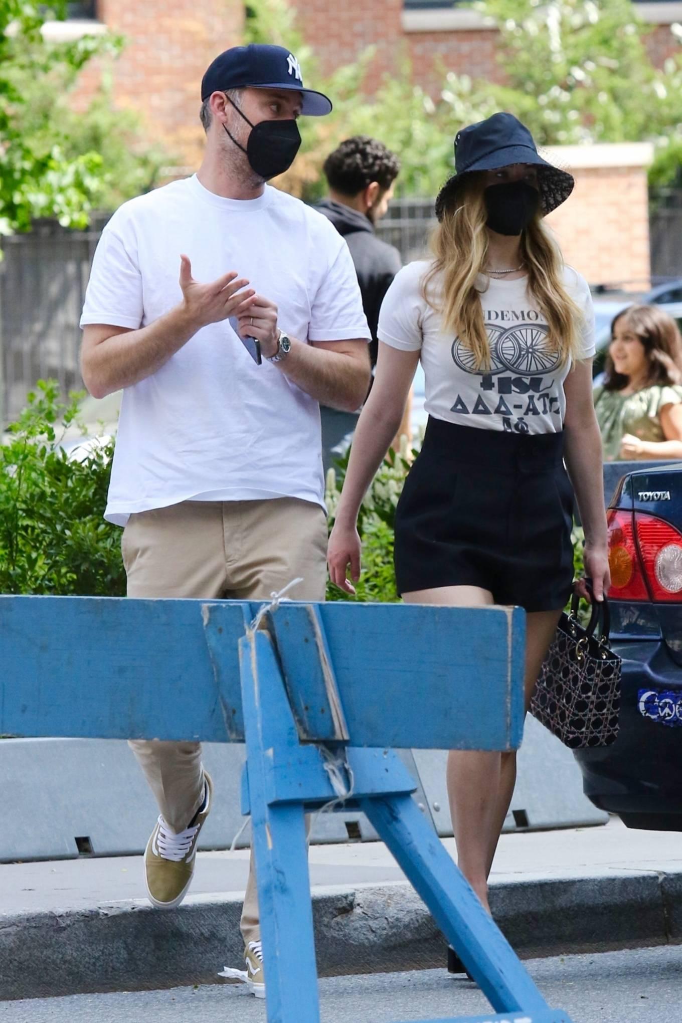 Jennifer Lawrence 2021 : Jennifer Lawrence – With husband Cooke Maroney in Manhattan's Soho area-08