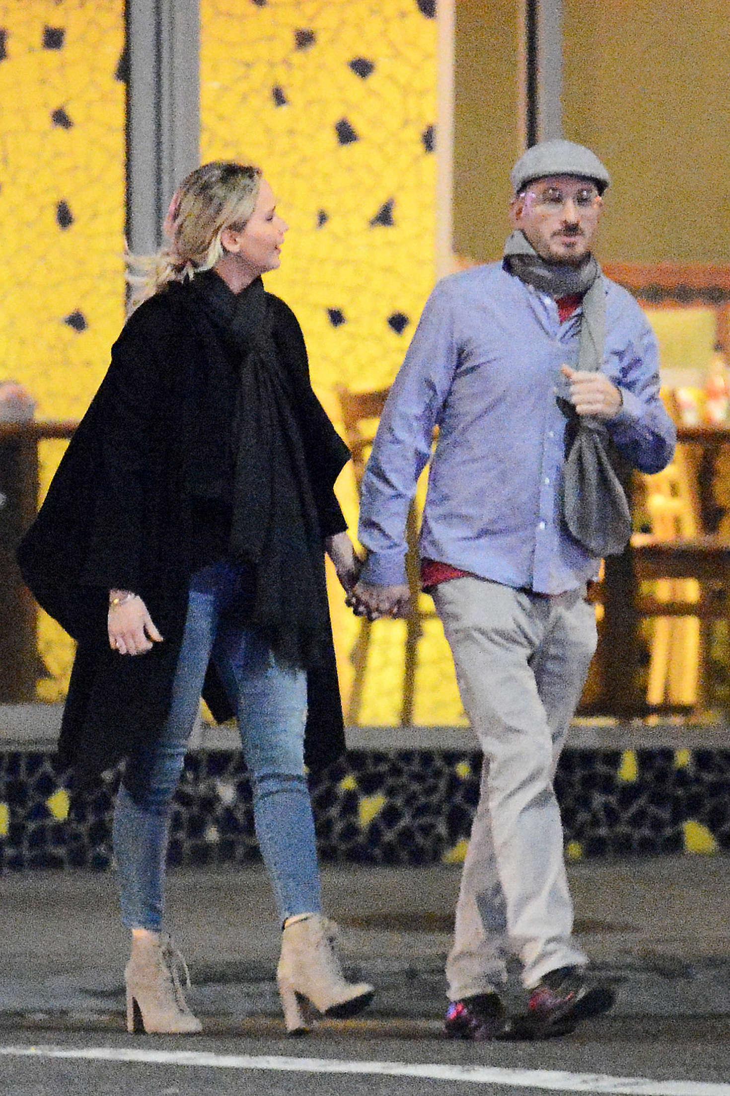 Jennifer Lawrence with new boyfriend Darren Aronofsky -07 ...