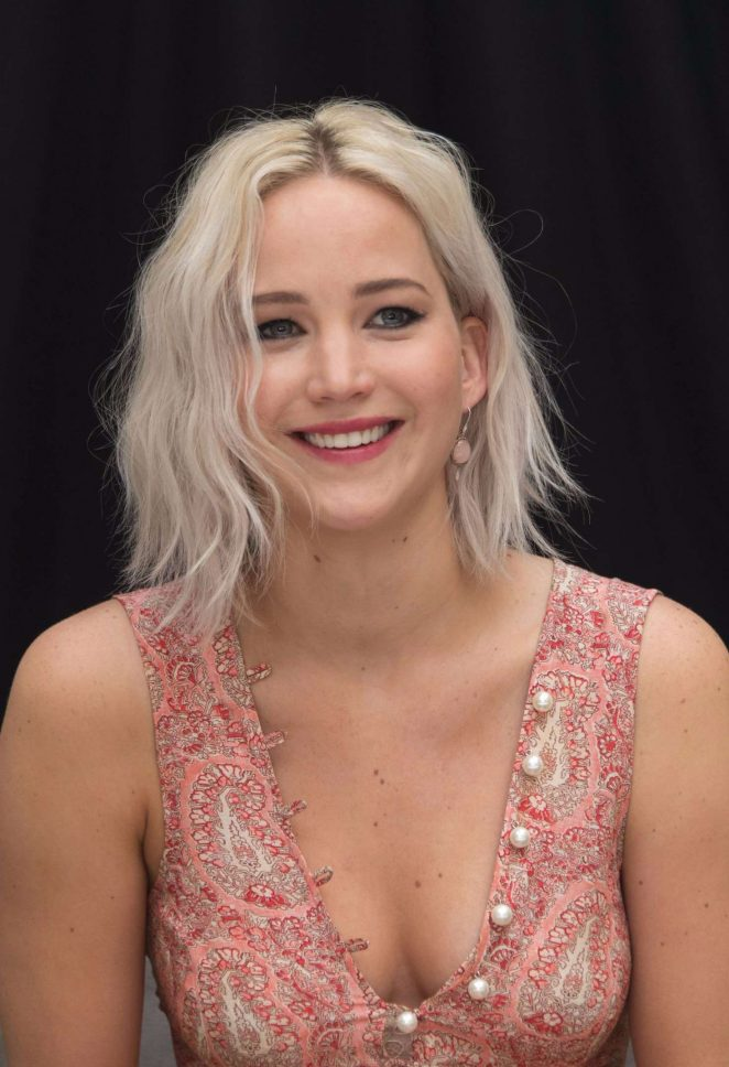 Jennifer Lawrence - 'X-Men: Apocalypse' Press Conference in London