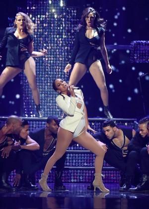 Jennifer Lopez: 2015 iHeartRadio Music Festival -08