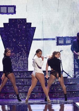 Jennifer Lopez: 2015 iHeartRadio Music Festival -17