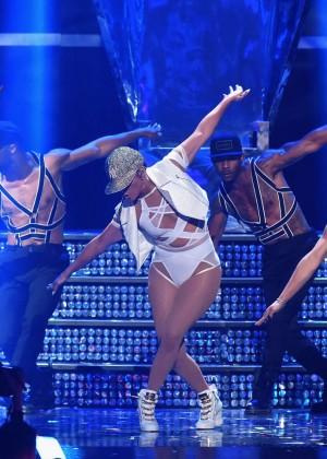 Jennifer Lopez: 2015 iHeartRadio Music Festival -21